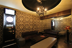 DARTSMANIA本館設立了VIP包廂讓您與朋友一同玩樂、享受飛鏢遊戲